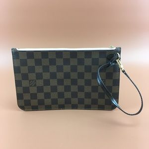 Preowned Louis Vuitton Damier Neverfull Pochette